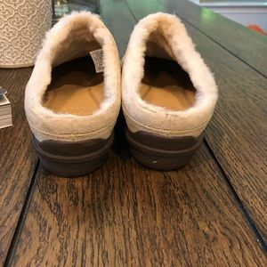 UGG Shoes - Ugg Australia mule slippers